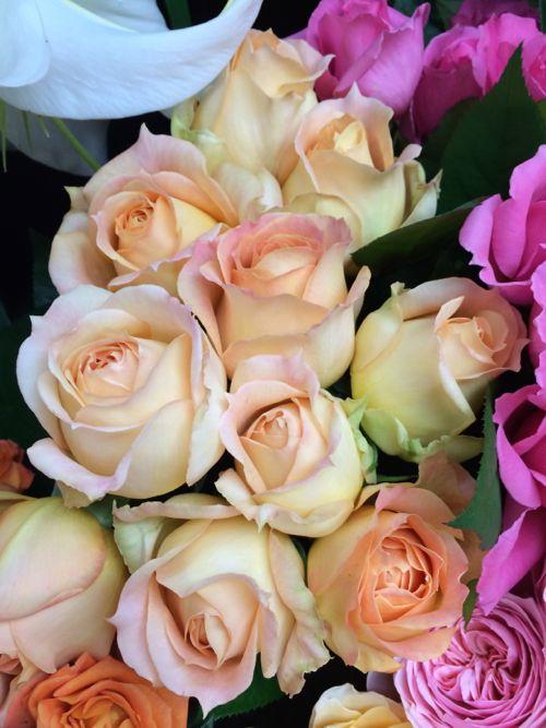 ウエディングブーケ 薔薇